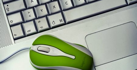 green-mouse-with-keyboard