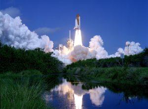 Launch_of_Space_Shuttle_Atlantis